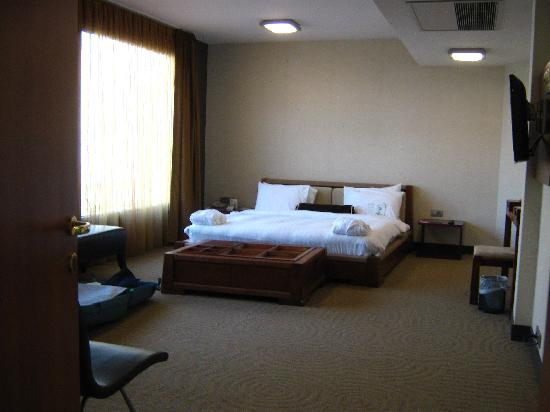 Nippon Hotel: Bed of King Apartment