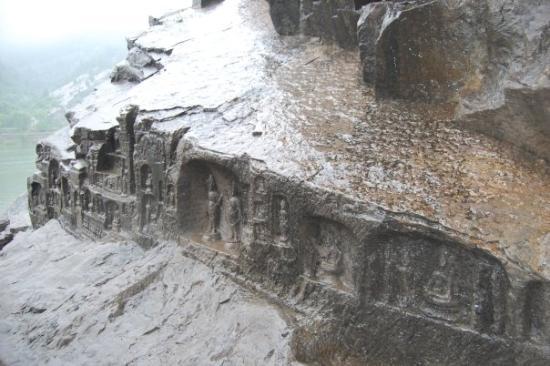 Longmen Grottoes: Longmen 97000 budda