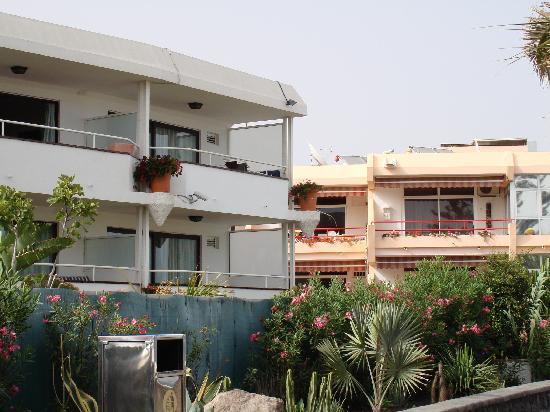 Apartamentos Taboga: Building