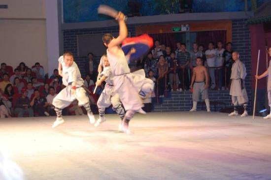 Shaolin Temple: Dengfeng spettacolo arti marziali