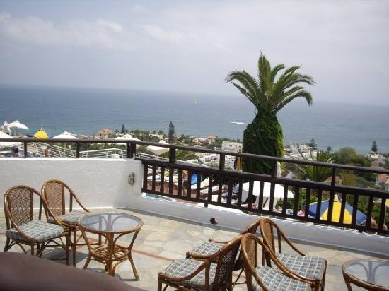 Hersonissos Village Hotel: Il bar che da sulla piscina