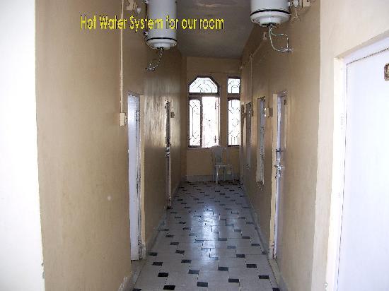 Hotel Sunrise : Hallway