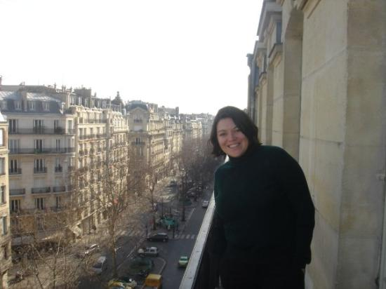 โรงแรมโฟร์ ซีซั่น จอร์จ ไฟฟ์ ปารีส: View from Hotel in Paris