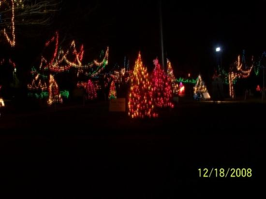 Philadelphia, PA: Christmas Lights at Rose Tree Park near Philly - Christmas Lights At Rose Tree Park Near Philly - Picture Of