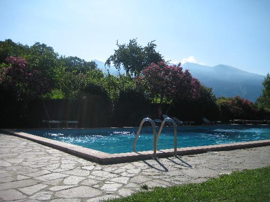 Park Hotel Zanzanu: View on the swimming pool