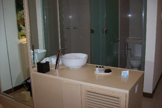 Ansa Kuala Lumpur: Bathroom