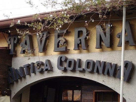 Colonna, Itálie: l'ingresso