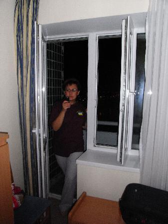 Slavutych Hotel : Die Balkontür