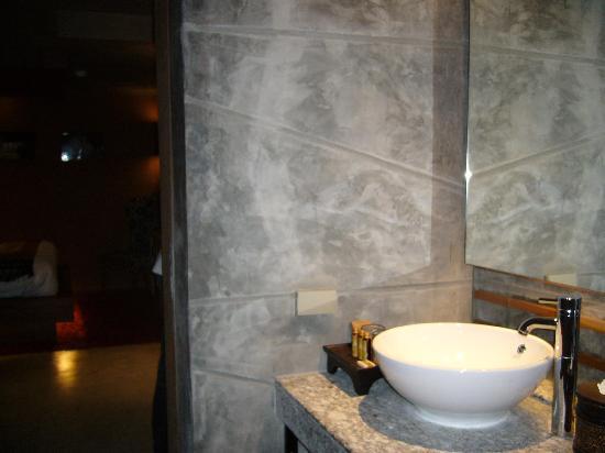 โรงแรม เดอะ ฟิวชั่น สวีท: Basin