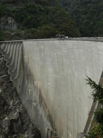 Verzasca Dam Photo