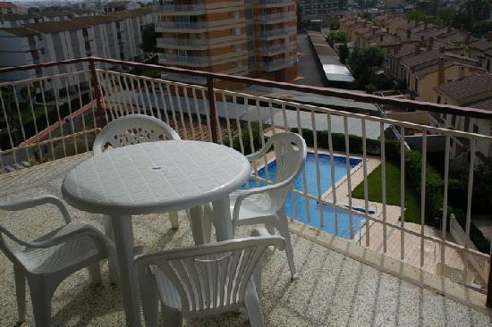 Apartamentos Estoril I - II Orange Costa: Terraza y Piscina