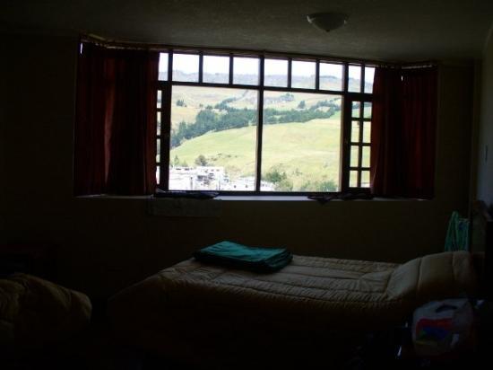 Vue de notre chambre (glaciale), à Salinas. Super beau paysage...
