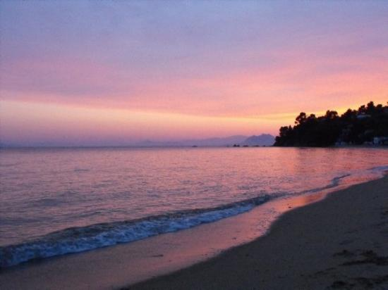 Skiathos, Griechenland: Sunset at Troulos