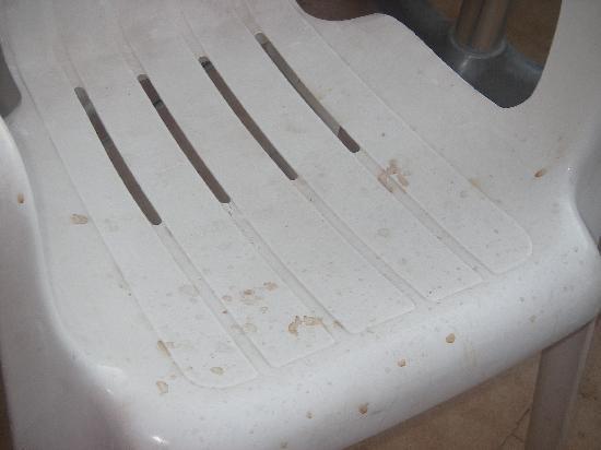 Nefeli Studios : Dirty Chairs