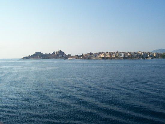 Corfu, Grécia: Corfù, dal traghetto