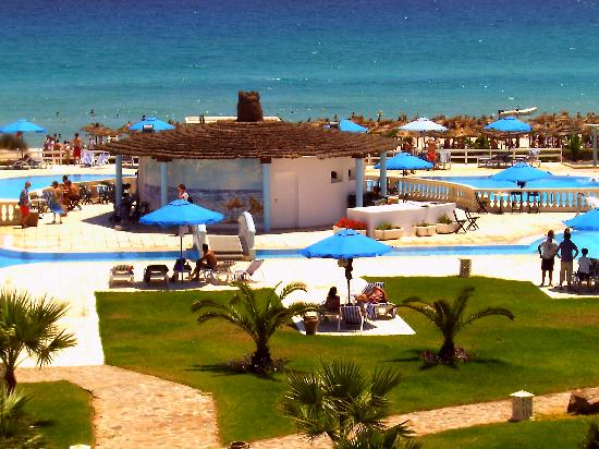 Cap-Bon Kelibia Beach Hotel & Spa: il bar in piscina
