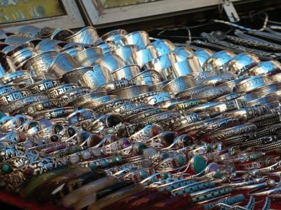 Αντζούνα, Ινδία: Silberschmuck, Fleamarket, Anjuna, Goa