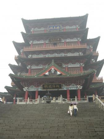 """หนางฉาง, จีน: """"江南三大名楼""""之一的腾王阁"""