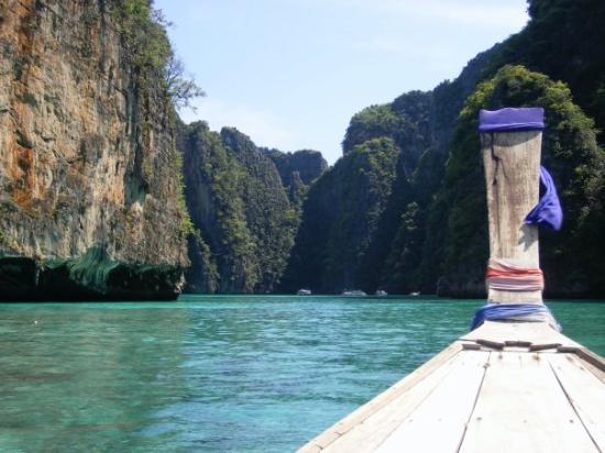เกาะพีพีเล: Coves of Koh Phi Phi Ley.