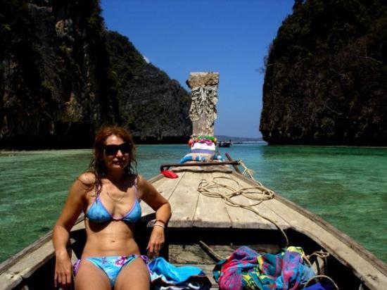 เกาะพีพีเล: sunbaking on the long boat