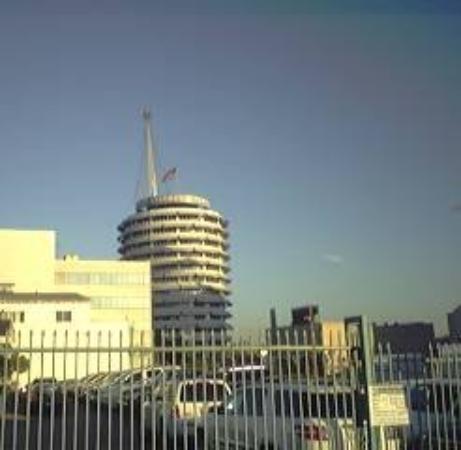 Capitol Records Building: LOS ANGELES 2007