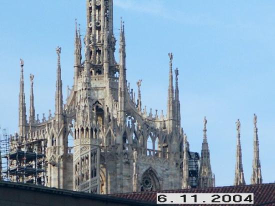 เปสการา, อิตาลี: Milan, Italy