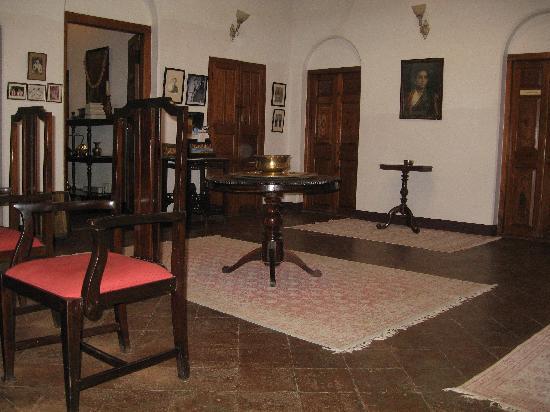 Villa Pottipati: reception area