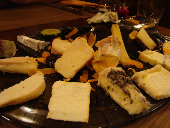 La Cloche à Fromage : Cheese plate for one person