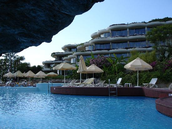 Crystal Sunrise Queen Luxury Resort & SPA: one of pool, all have swim up bar!