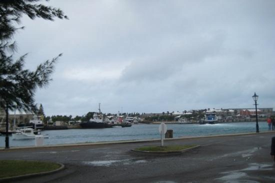 Royal Naval Dockyard: Our sunny arrival to the dockyard in Bermuda.