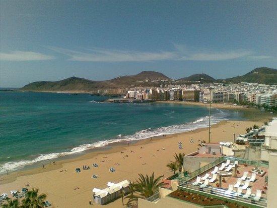 Playa de Las Canteras in več kot strateška lokacija hotela takoj ob plaži - jah tko to je: eni r