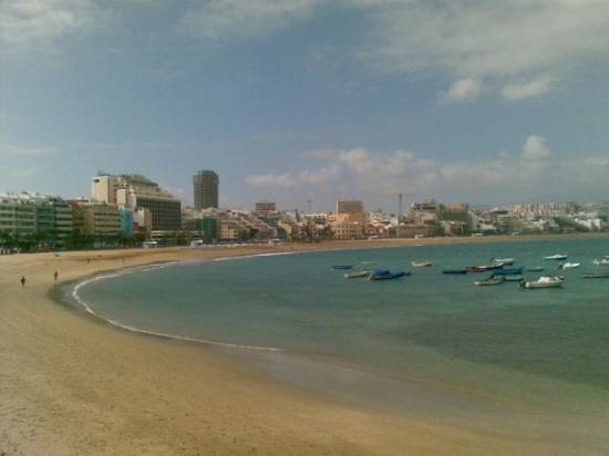 "Playa de Las Canteras in zame vsekakor najlepša plaža na otoku s ""skylineom"" lepih hotelov in re"