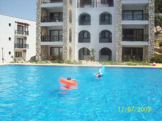 Mandalya Gardens: Pool Apartments