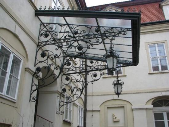 Nitra, สโลวะเกีย: konečne sa niekto aj trošku vyhral s tým, čo navrhol...