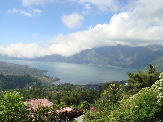 巴杜尔火山湖