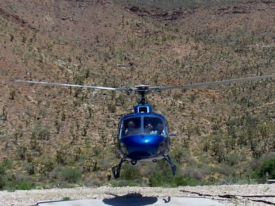 Heli USA Airways: our transport around the west rim of the canyon