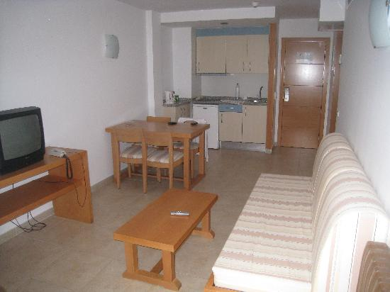 Apartments Mar y Playa: The Living area, Bathroom and bedroom to the right.