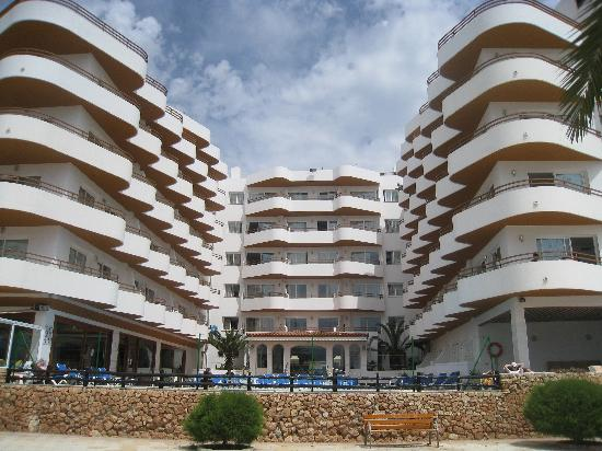 Apartments Mar y Playa: The Hotel from Beach