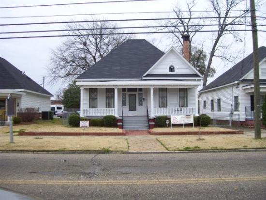 Montgomery, AL: martin luther king's old house