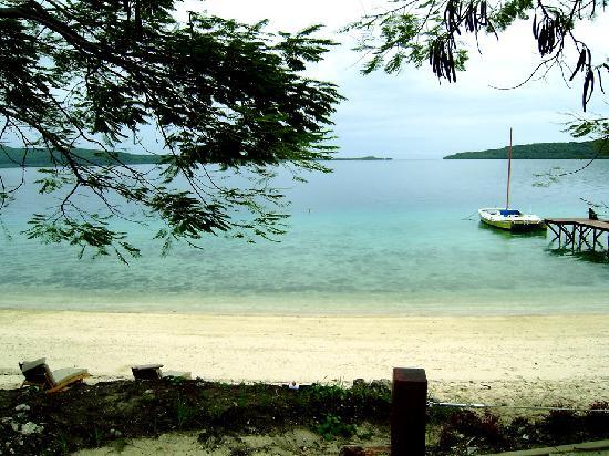 The Havannah, Vanuatu: View from room to beacj