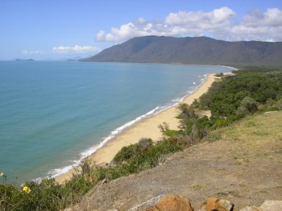 Four Mile Beach: Tropical North Queensland, Australia