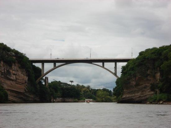 Tuxtla Gutierrez, Meksiko: Puente Para ir a Tuxtla