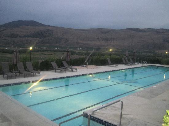 Burrowing Owl Estate Winery Guest House: Pool