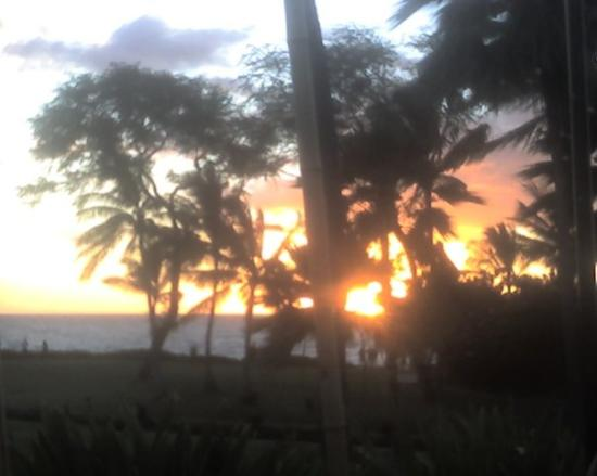Makena Beach & Golf Resort: Sunset at Luau