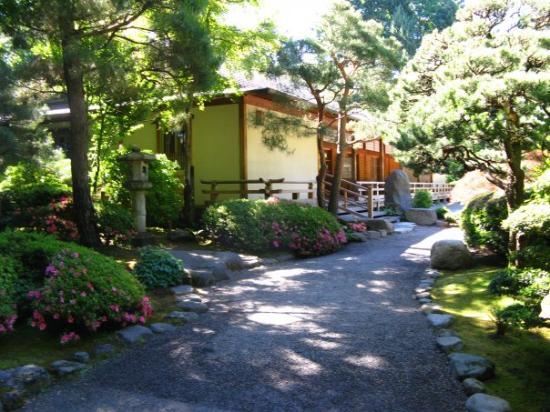 Flat Garden Picture of Portland Japanese Garden