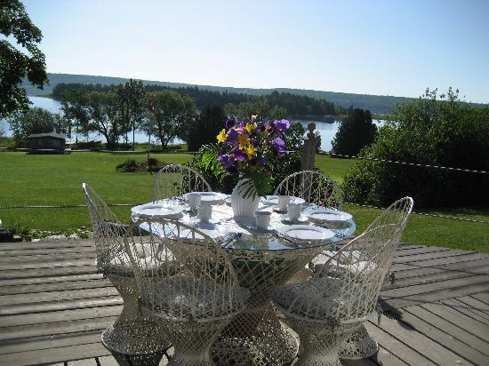 Manitowaning, Kanada: Breakfast on the deck