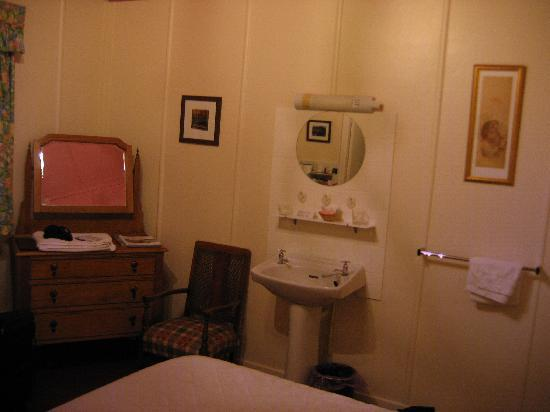 Bedroom And Wash Basin Picture Of Glenloy Lodge Guest