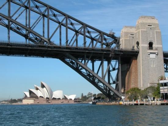Sydney Harbour Bridge & Opera House. - Foto di Ponte al ...
