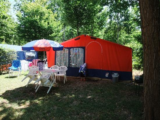 ‪‪Muides sur Loire‬, فرنسا: Our tent - courtesy of Canvas Holidays‬