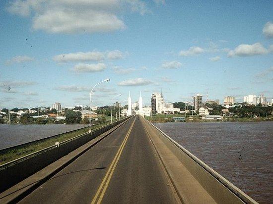 paso de los libres  de argentina a brasil por uruguaiana